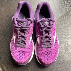 Mizuno Wave Rider 22 Size 6.5 purple